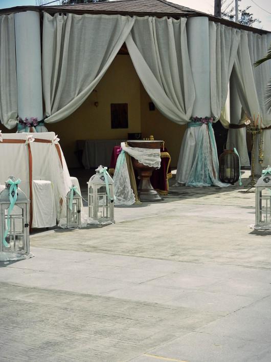 Το ξεχωριστό εκκλησάκι στο Anais club στολισμένο για τη βάπτιση