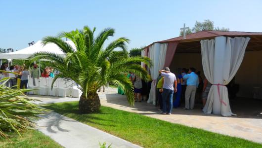 Βάπτιση στο εκκλησάκι του Anais Club στη Βαρυμπόμπη
