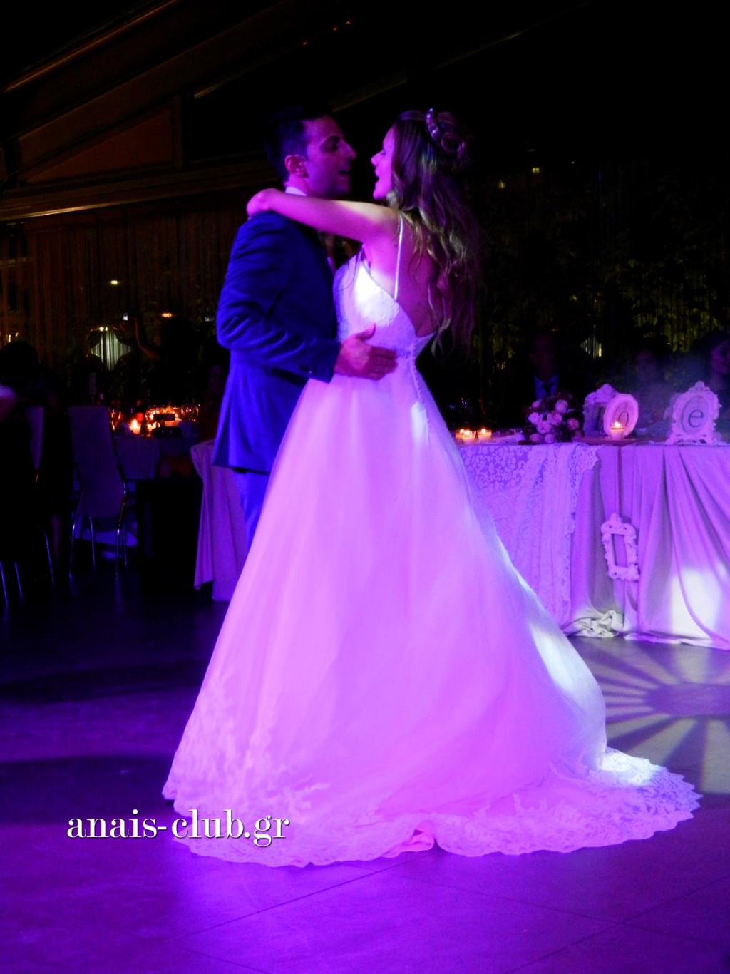 Ο πρώτος χορός του ζευγαριού είναι πάντα ξεχωριστός