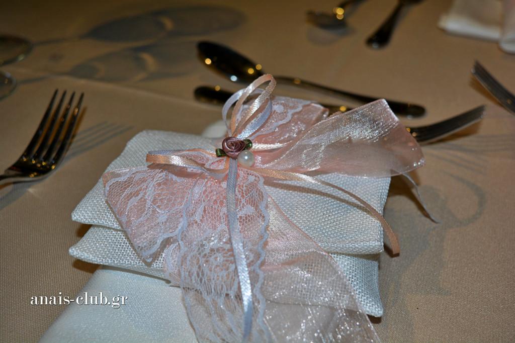 Ρομαντική και η μπομπονιέρα γάμου