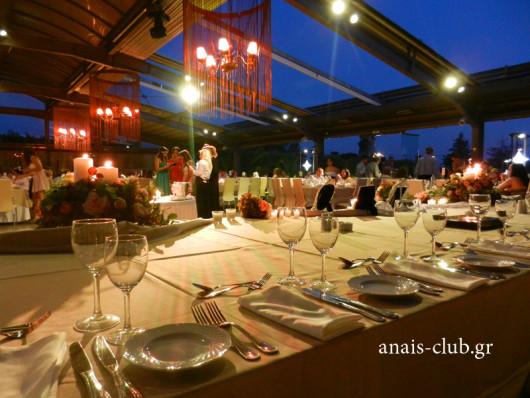 Ανοιχτή οροφή στο Anais Club στην Βαρυμπόμπη