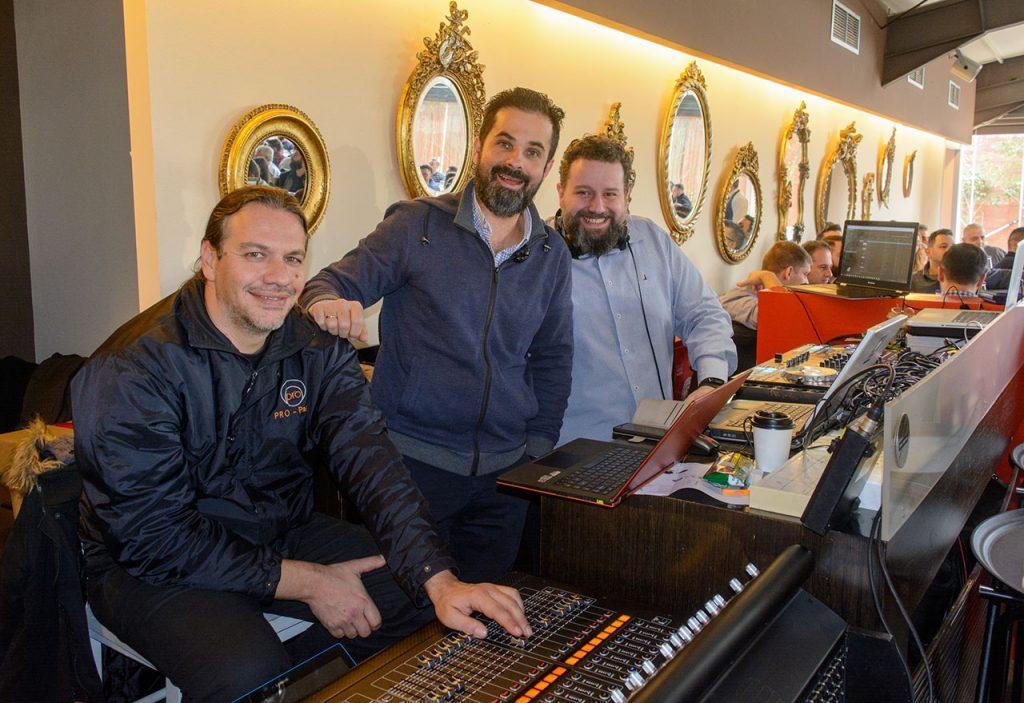 Οι συνεργάτες από την Pro Party υπεύθυνοι για τον ήχο και τα φώτα των εκδηλώσεων που φιλοξενούνται στο Anais Club